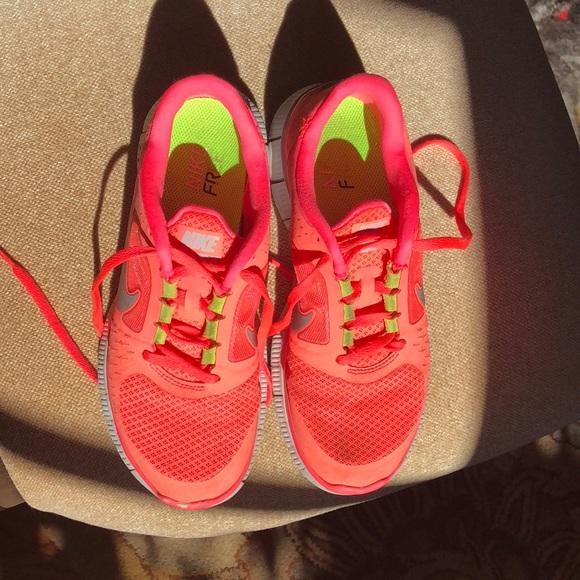 Nike Shoes Free Run 3 Neon Pink størrelse 8Poshmark Free Run 3 Sneakers Neon Pink 65 Poshmark